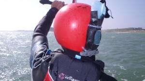 Ecole kitesurf Quiberon : une radio embarquée pour dialoguer avec le moniteur à distance
